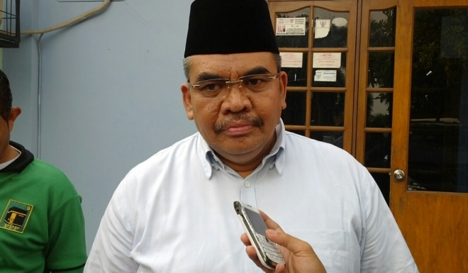 Irgan Chairul Mahfiz (Ketua Fraksi PPP di MPR)