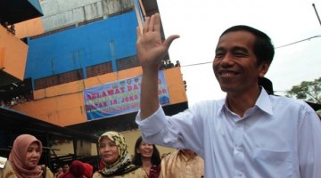 Jokowi di Pasar Ciputat Tangsel (Tempo)