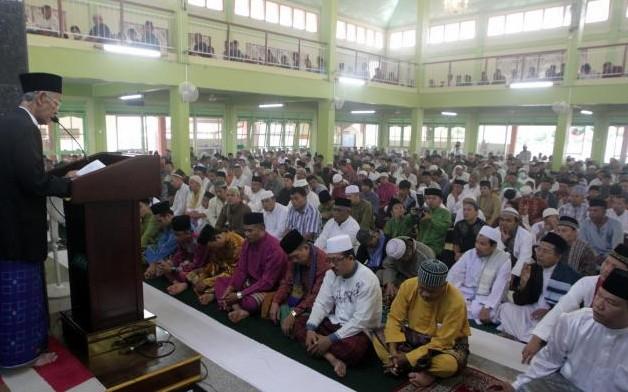 HM Sani Jadi Khatib Salat Idul Adha di di Masjid Baitul Rahman Batam