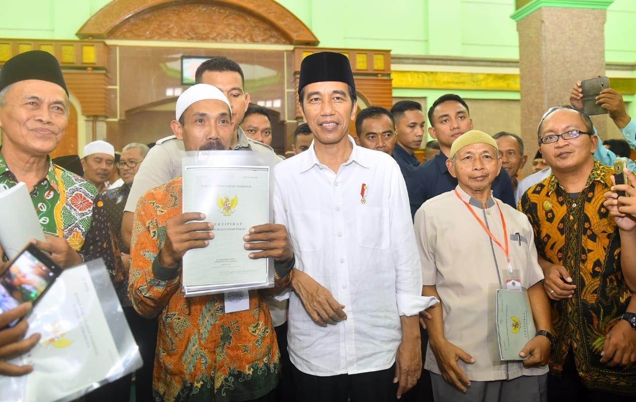 presiden-tegaskan-sertifikasi-tanah-wakaf-untuk-lindungi-dari-sengketa-lahan-1