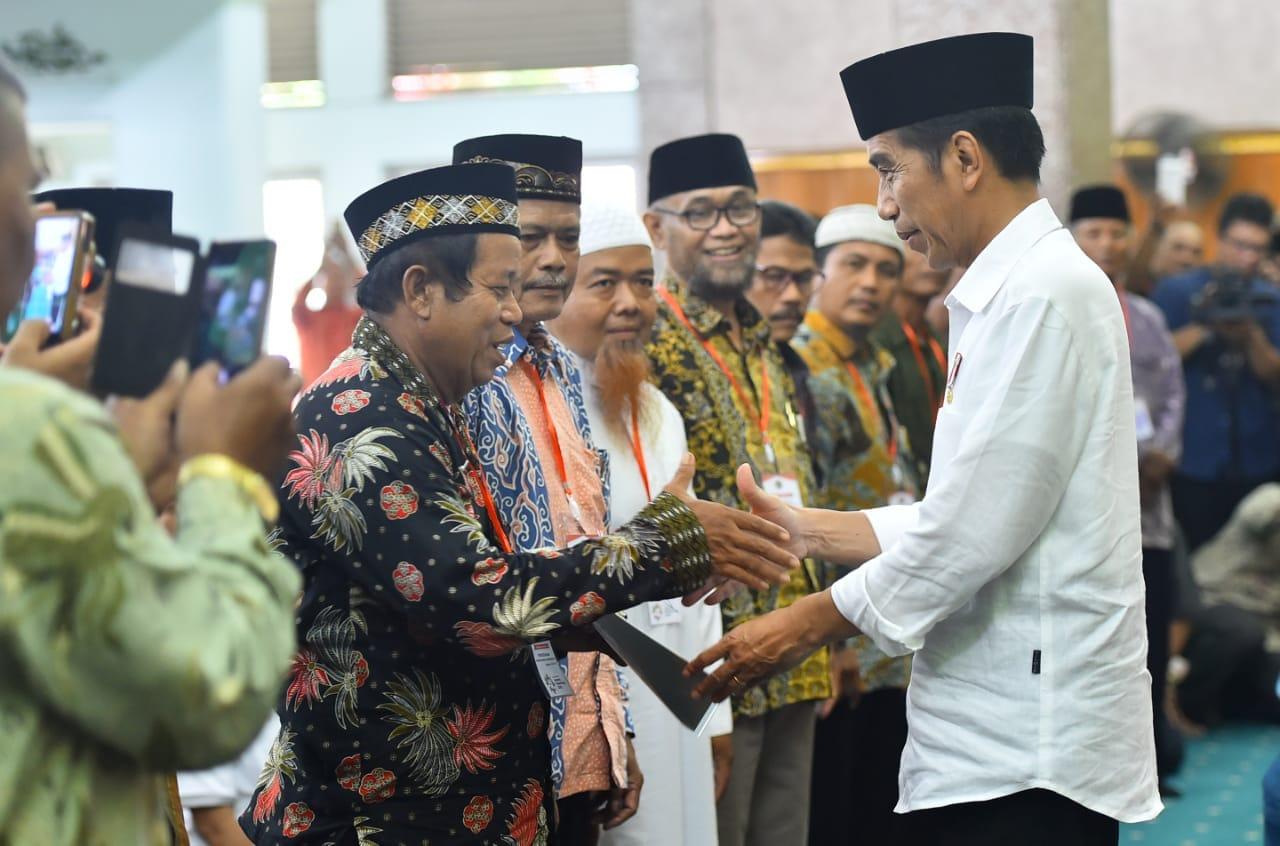 presiden-tegaskan-sertifikasi-tanah-wakaf-untuk-lindungi-dari-sengketa-lahan-28