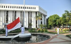 Suasana upacara peringatan Hari Lahir Pancasila, di halaman parkr Kemensetneg, Jakarta, Jumat (1/6) pagi. (Foto: Deny S/Humas)