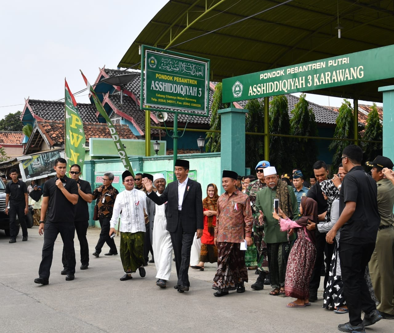 presiden-silaturahmi-dengan-ulama-dan-tokoh-masyarakat-se-karawang-5