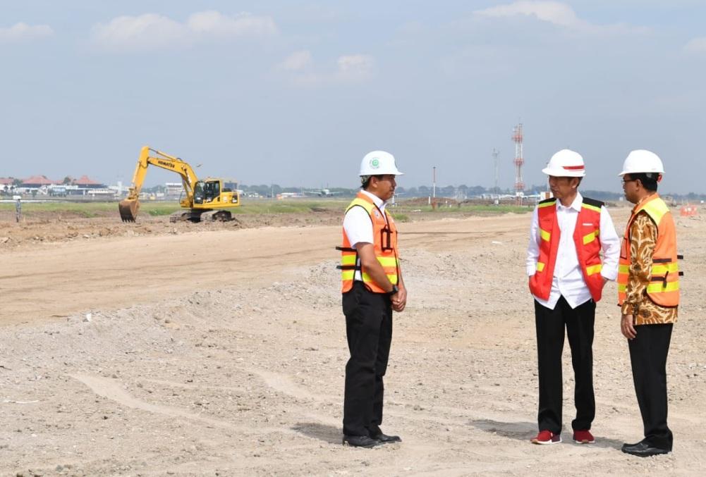 presiden-tinjau-pembangunan-runway-dan-arus-balik-di-soekarno-hatta-8-1