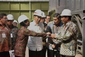 Presiden Jokowi mengunjungi PT. MMB, di Desa Majasari Kec. Sliyeg Kab. Indramayu, Jabar, Kamis (7/6) pagi. (Foto: OJI/Humas)