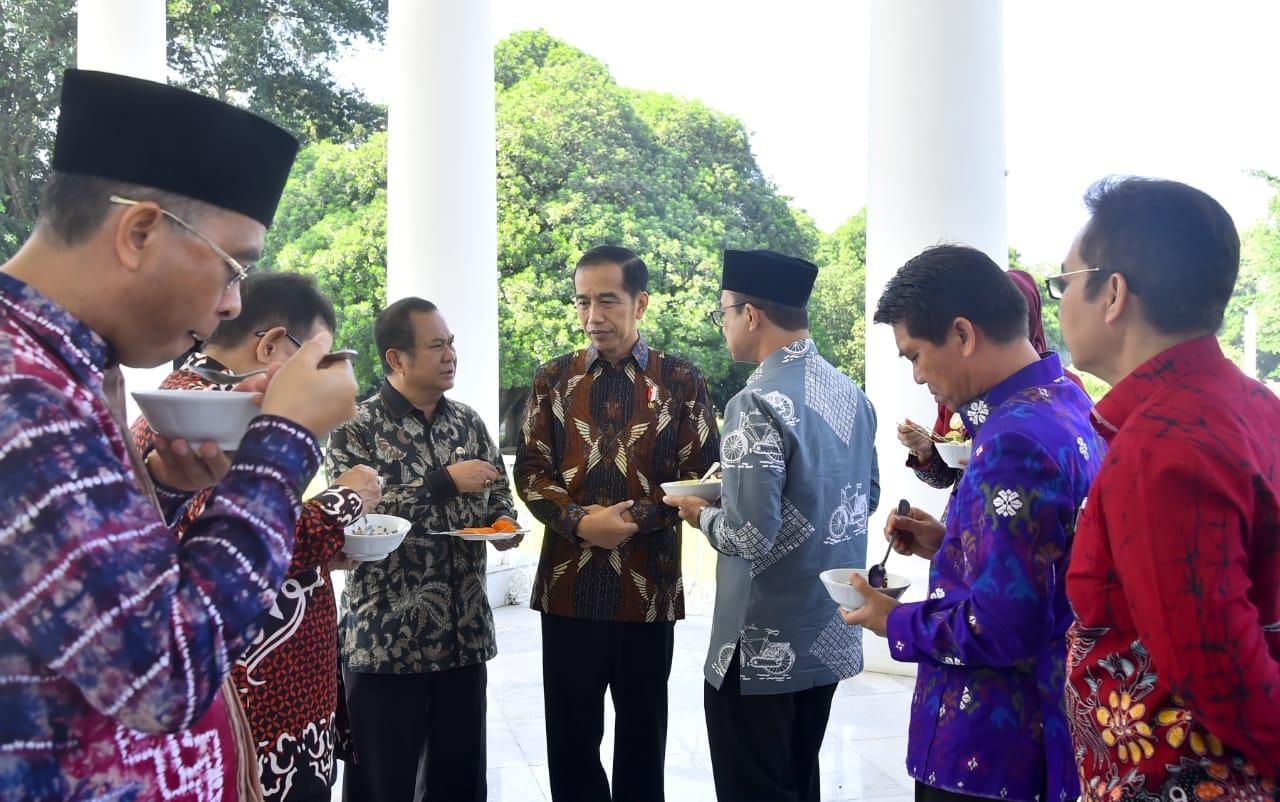 presiden-ingatkan-pentingnya-sinergi-pemerintah-pusat-dan-daerah-40