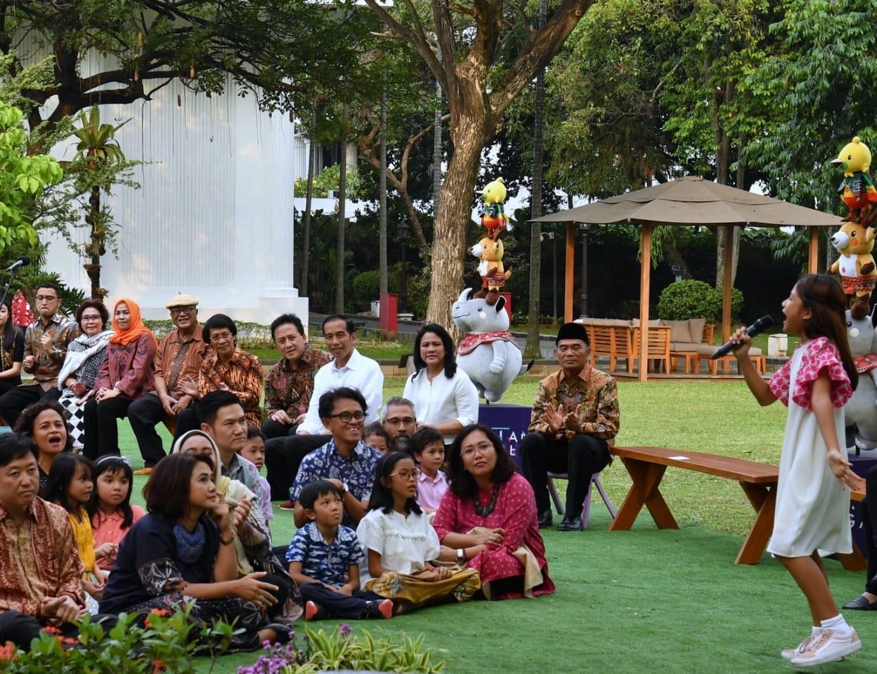 presiden-bersama-anak-di-istana-12