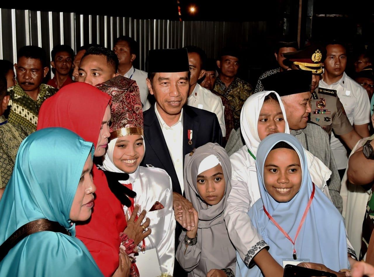 presiden-resmikan-fasilitas-pesantren-modern-internasional-dea-malela-di-sumbawa-besar-4