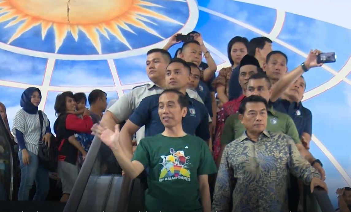 Dampingi Presiden Jokowi di Sulsel, Moeldoko Ngopi Bareng ...