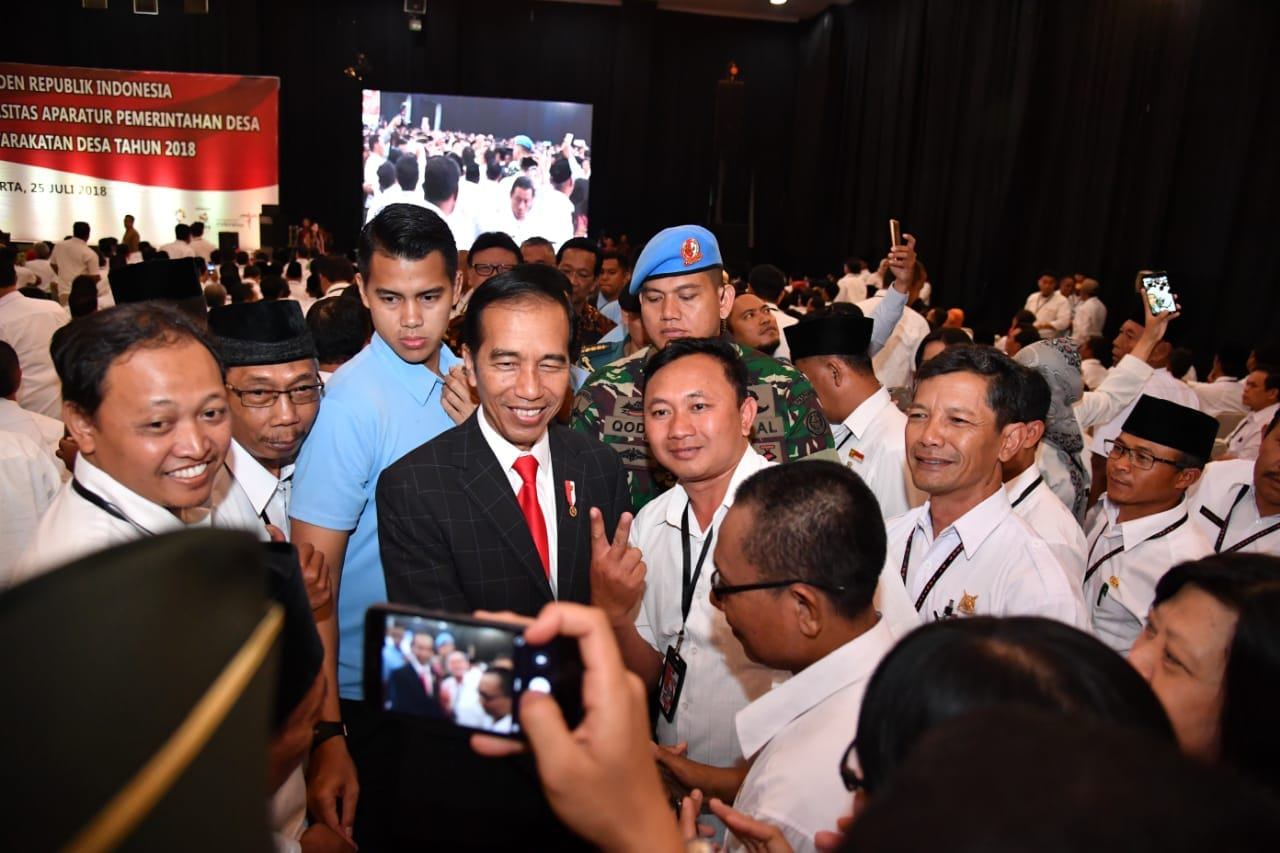 presiden-bertemu-perangkat-desa-di-yogyakarta-18