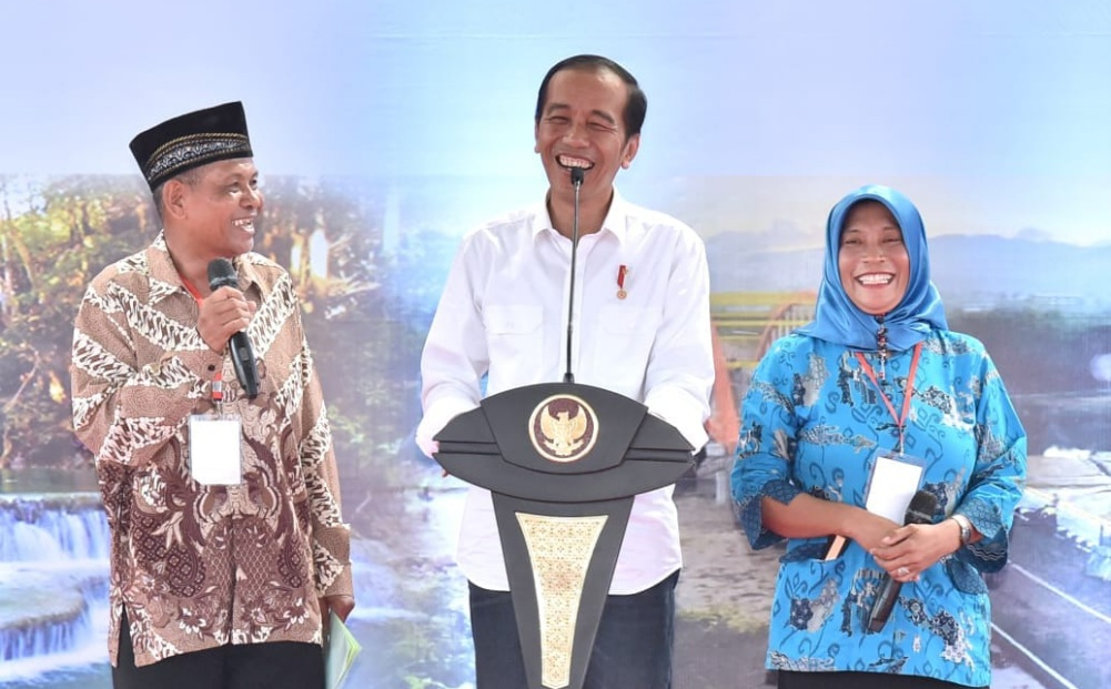 presiden-jokowi-serahkan-sertifikat-untuk-rakyat-di-ntb-9-1