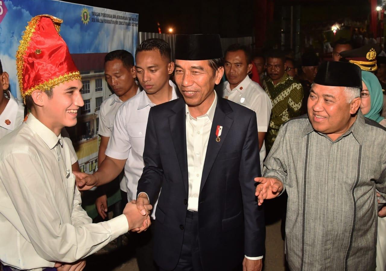 presiden-resmikan-fasilitas-pesantren-modern-internasional-dea-malela-di-sumbawa-besar-6