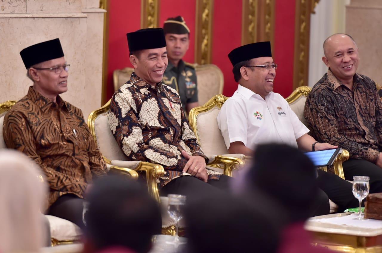 bertemu-mahasiswa-presiden-tekankan-pentingnya-konektivitas-antardaerah-di-indonesia-12