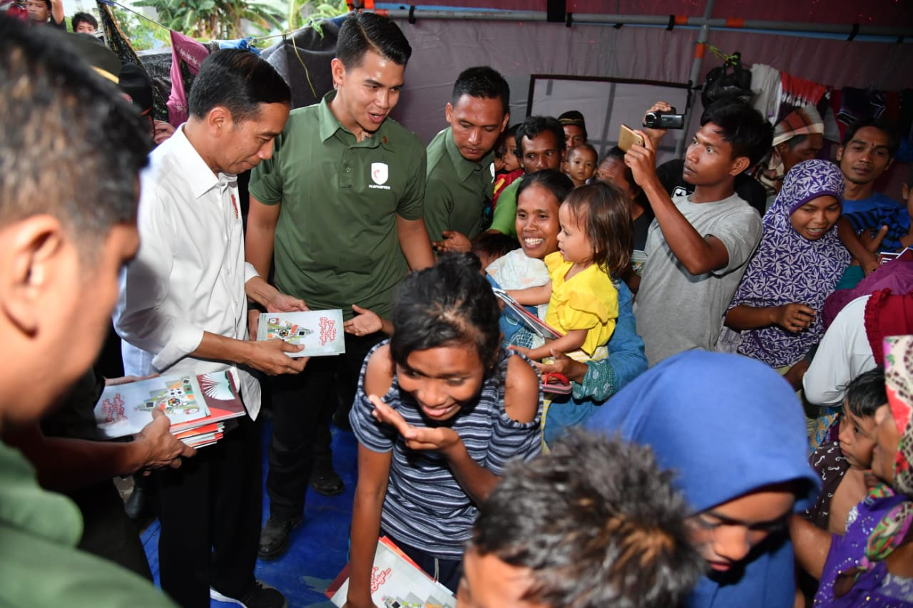 presiden-temui-korban-gempa-di-lombok-utara-30