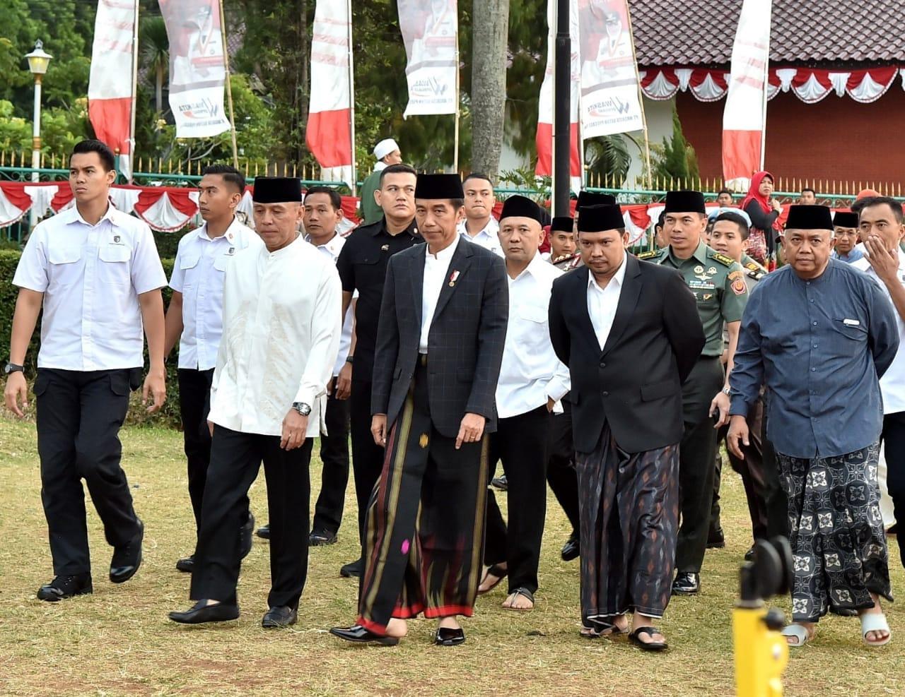 presiden-jokowi-iduladha-adalah-momen-untuk-berbagi-9