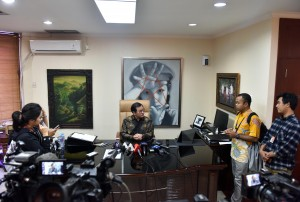 Seskab Pramono Anung menerima wartawan di ruang kerjanya, Gedung III Kemensetneg, Jakarta, Rabu (29/8) pgi. (Foto: JAY/Humas)