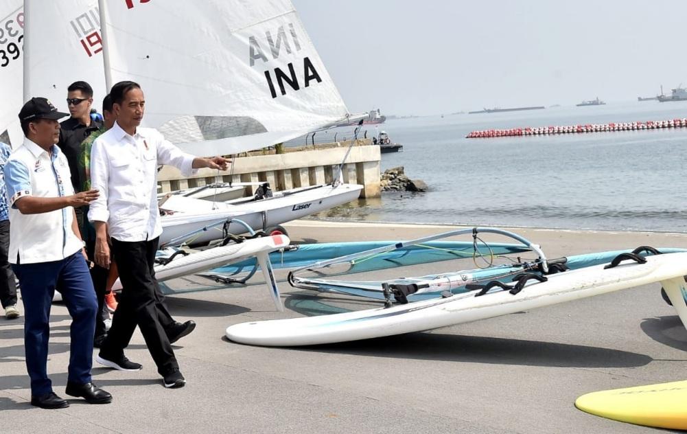 presiden-sambangi-lokasi-latihan-atlet-jetski-dan-layar-2-1