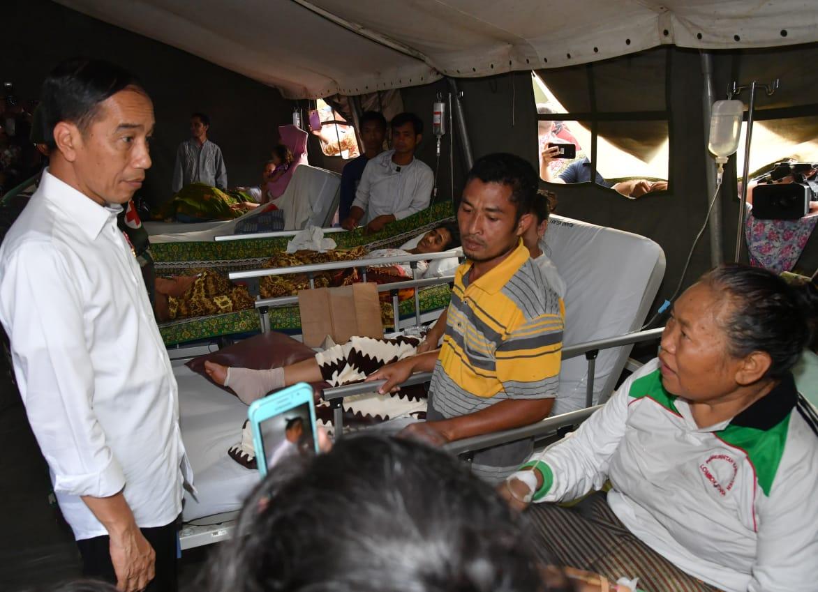 Presiden Temui Korban Gempa Di Lombok Utara Rumah Untuk Kemudian Juga Meninjau Dapur Umum Posko Pengungsian Ruang Gembira Anak Dan Sakit Lapangan Yang Merawat Setidaknya 26 Bencana