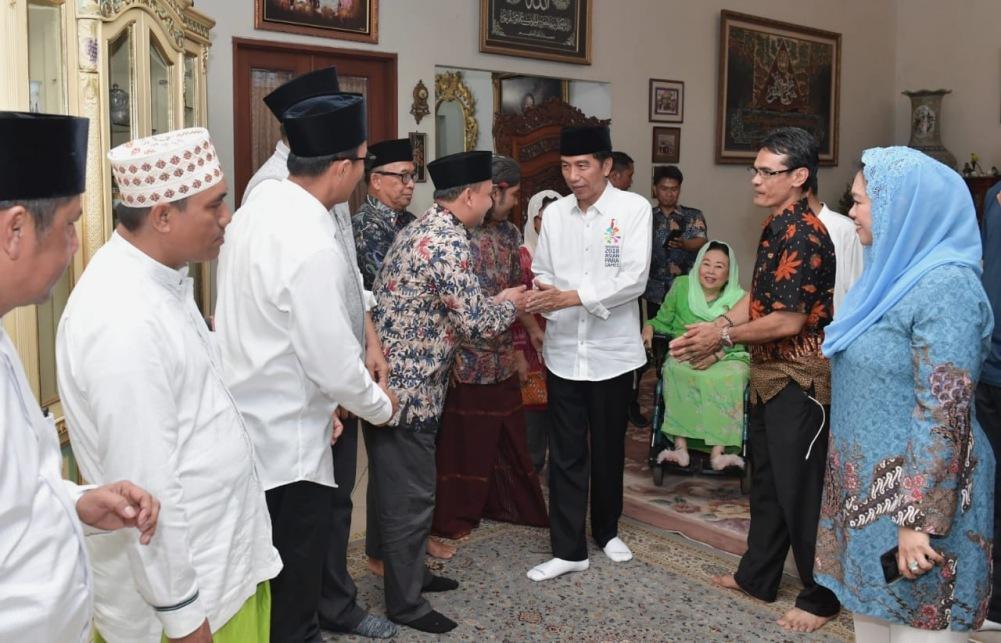 presiden-silaturahmi-ke-kediaman-ibu-sinta-nuriyah-wahid-8-1