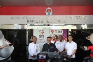 Menpora Imam Nahrawi menyampaikan keterangan pers di Kantor Kemenpora, Jakarta, Selasa (25/9) sore. (Foto: Humas Kemenpora)