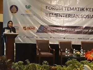 Karo Humas Kemensos Hafifah Insari dalam forum tematik Bakohumas, di Hotel Aryaduta, Jakarta, Rabu (12/9) siang. (Foto: Heni/Humas)