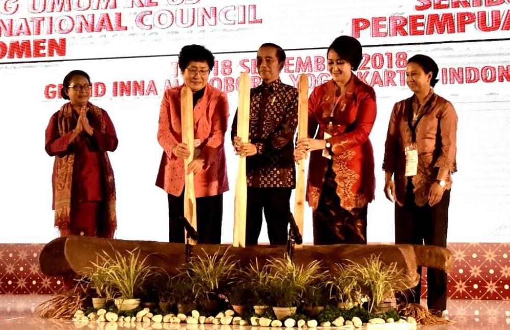 presiden-jokowi-jadilah-ibu-bangsa-wahai-perempuan-indonesia-1-2