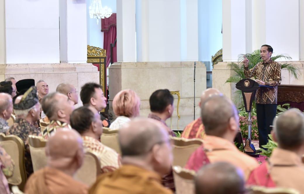presiden-jokowi-ajak-bangsa-indonesia-rawat-persatuan-dan-kerukunan-4