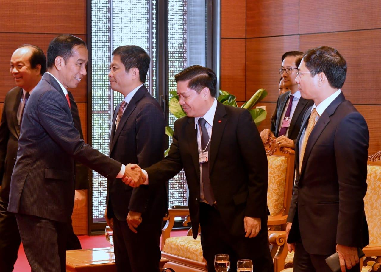 presiden-jokowi-bertemu-dengan-pm-vietnam-bahas-kemitraan-indonesia-vietnam-5