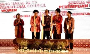 Presiden Jokowi dalam acara di Hotel Grand Inna Malioboro, Yogyakarta, Jumat (14/9). (Foto: BPMI).