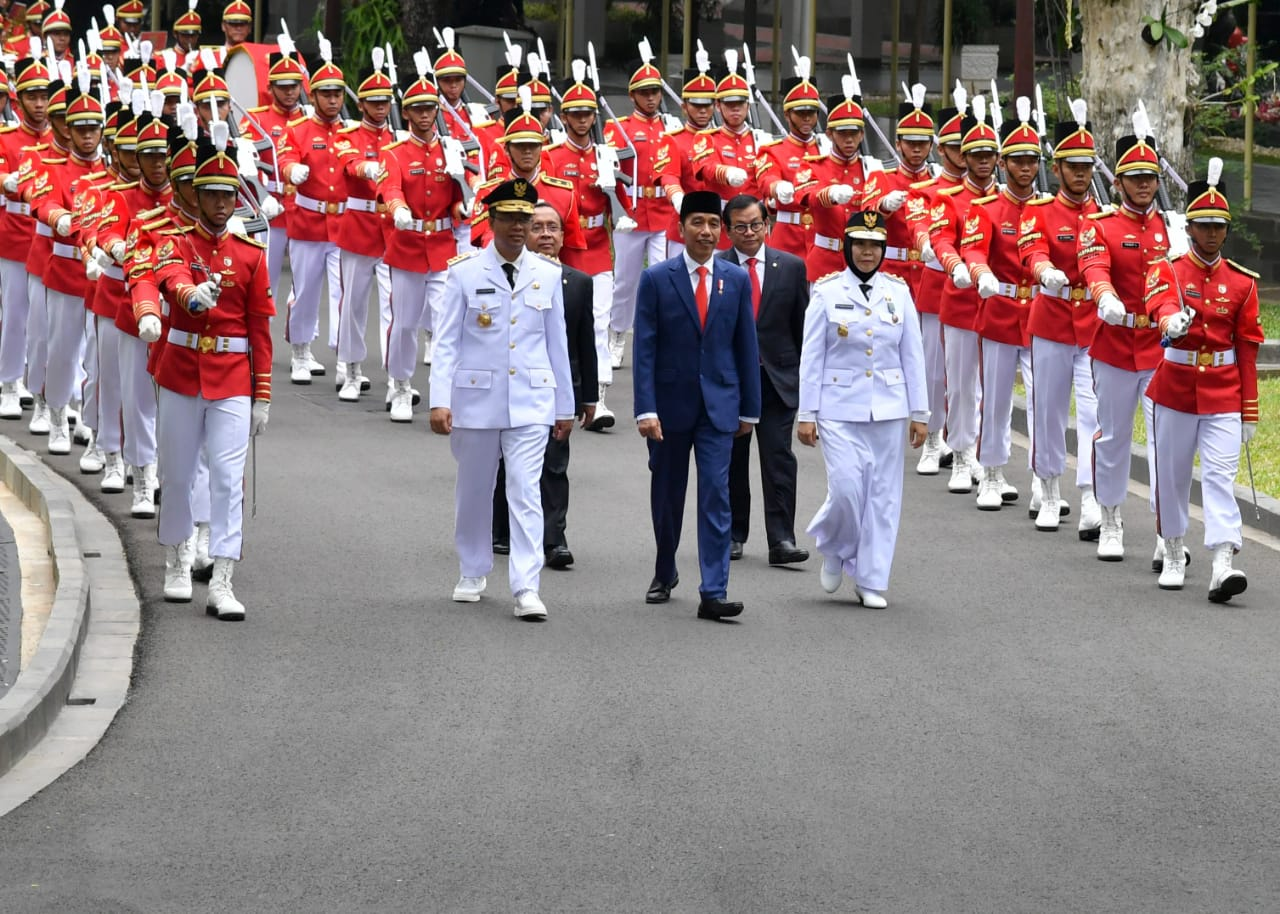 presiden-jokowi-lantik-gubernur-dan-wakil-gubernur-ntb-13