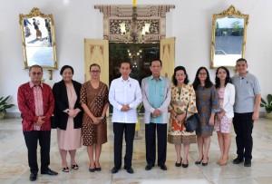 Presiden Jokowi saat bersilaturahmi dengan Keluarga Keraton, Jumat (28/9). (Foto: BPMI).