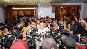 Menhub menjawab pertanyaan wartawan Menhub saat ditemui di Jakarta, Sabtu (15/9). (Foto: Kemenhub).