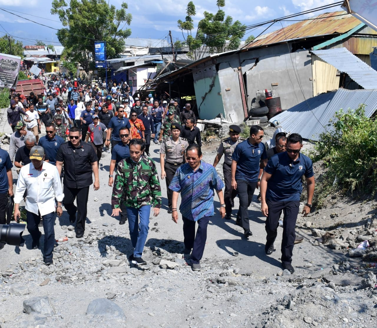 presiden-tekankan-evakuasi-korban-jadi-prioritas-pertama-76