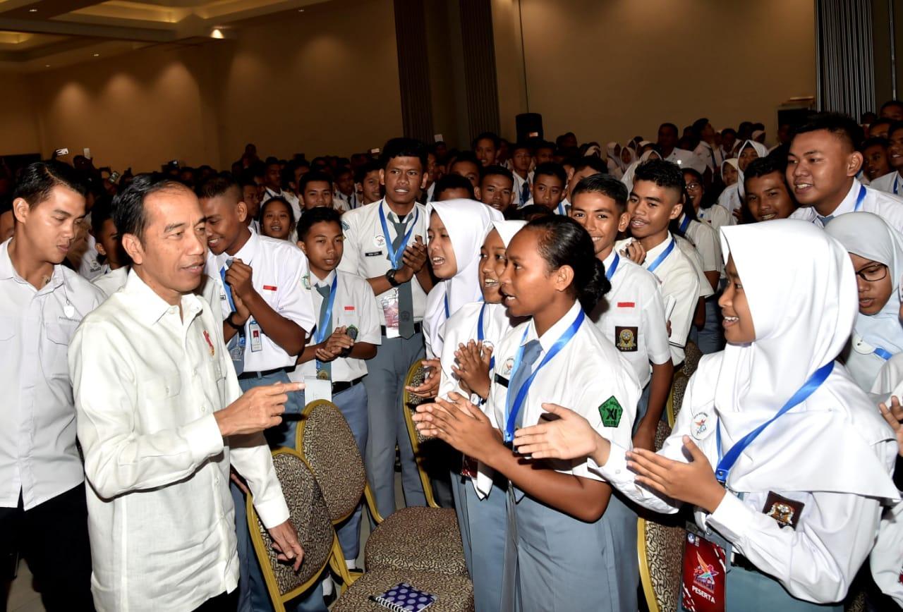 presiden-dorong-pemuda-berani-hadapi-tantangan-6