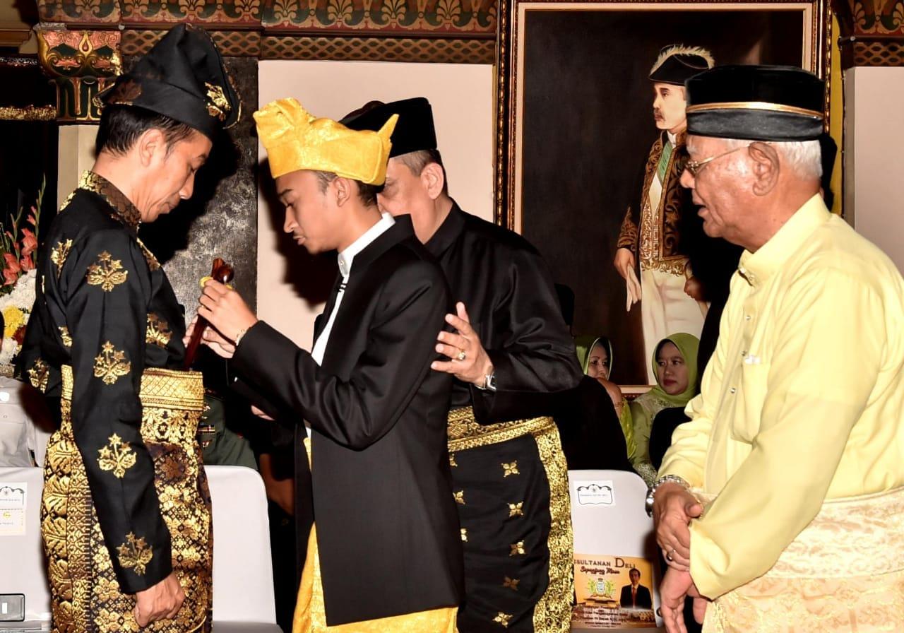 presiden-jokowi-dianugerahi-gelar-adat-oleh-kesultanan-deli-11
