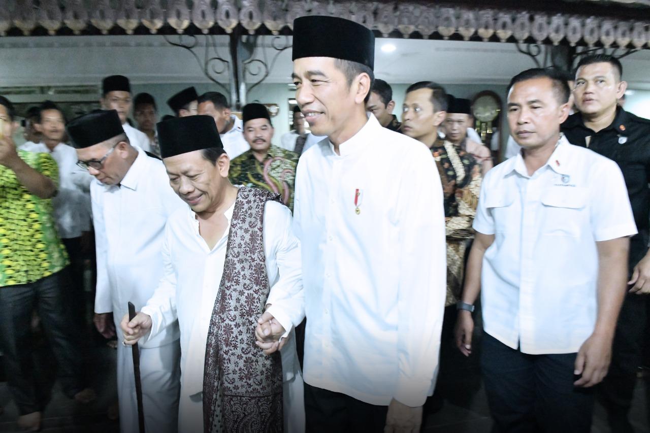 presiden-jokowi-silaturahmi-dan-bertukar-pandangan-di-ponpes-girikesumo-8