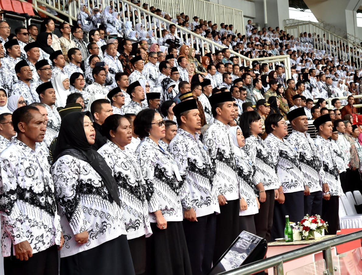 presiden-apresiasi-peran-guru-dalam-menjaga-moral-anak-anak-bangsa-15