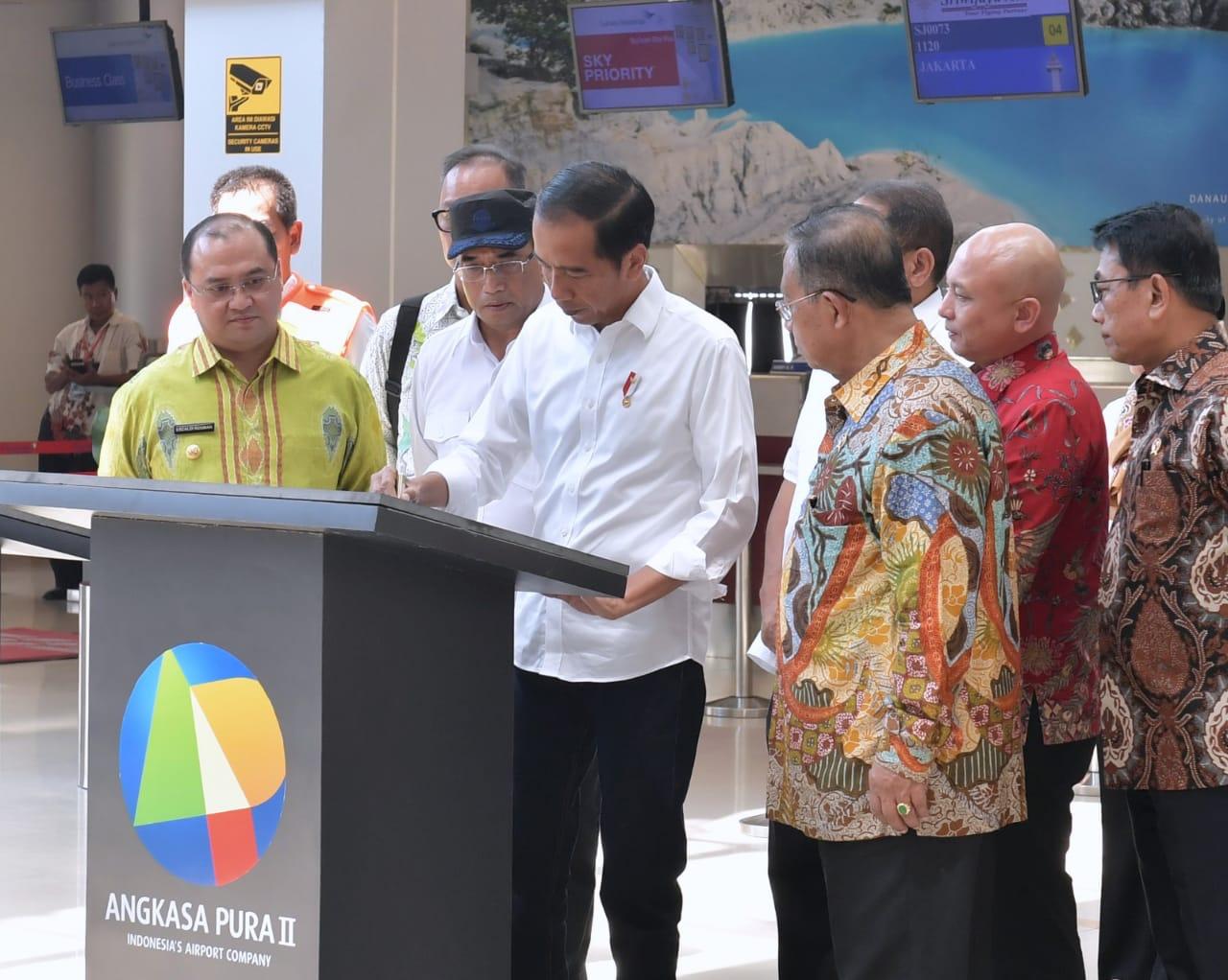 presiden-jokowi-resmikan-terminal-baru-bandara-depati-amir-14