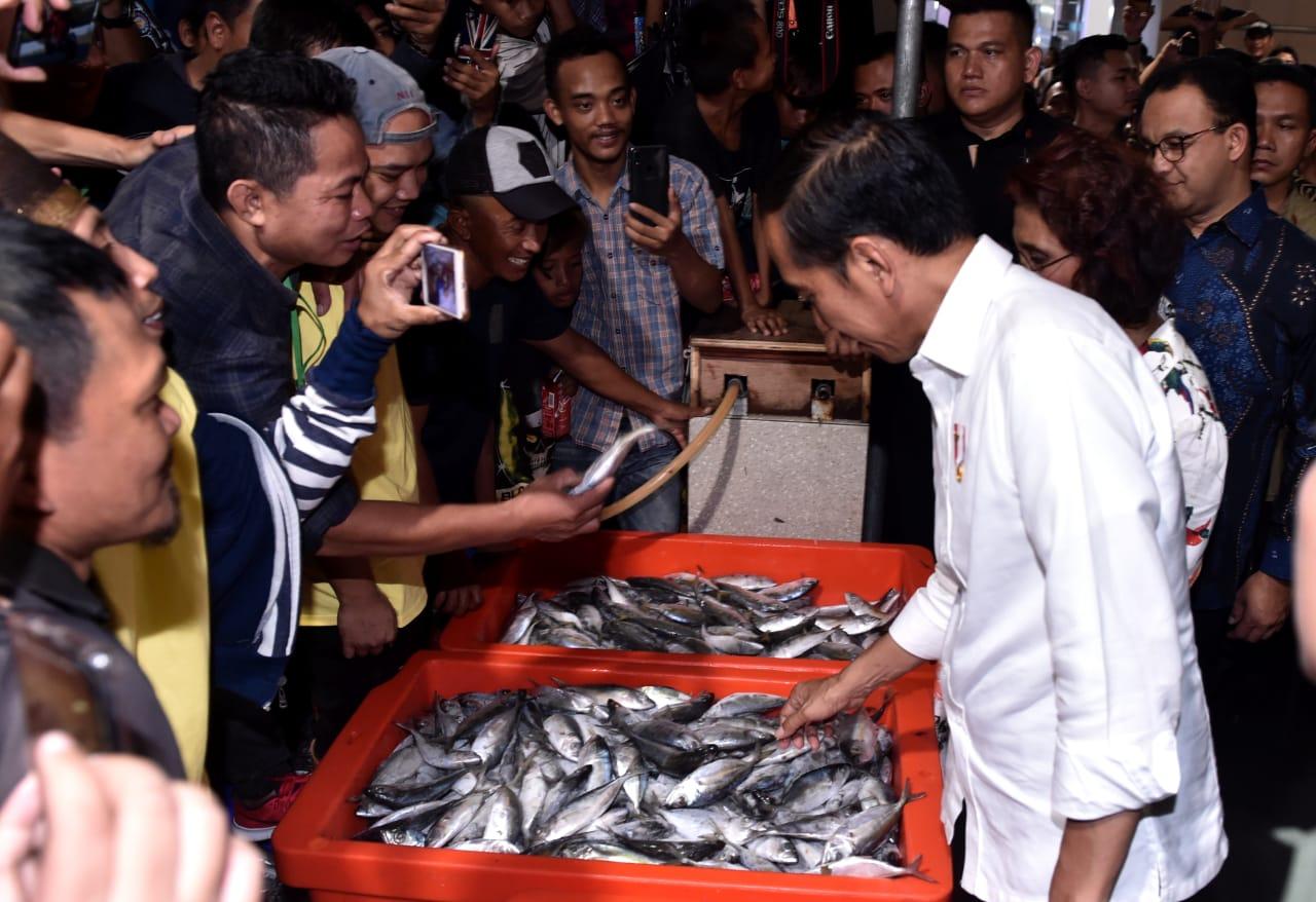 presiden-resmikan-pasar-ikan-modern-muara-baru-37