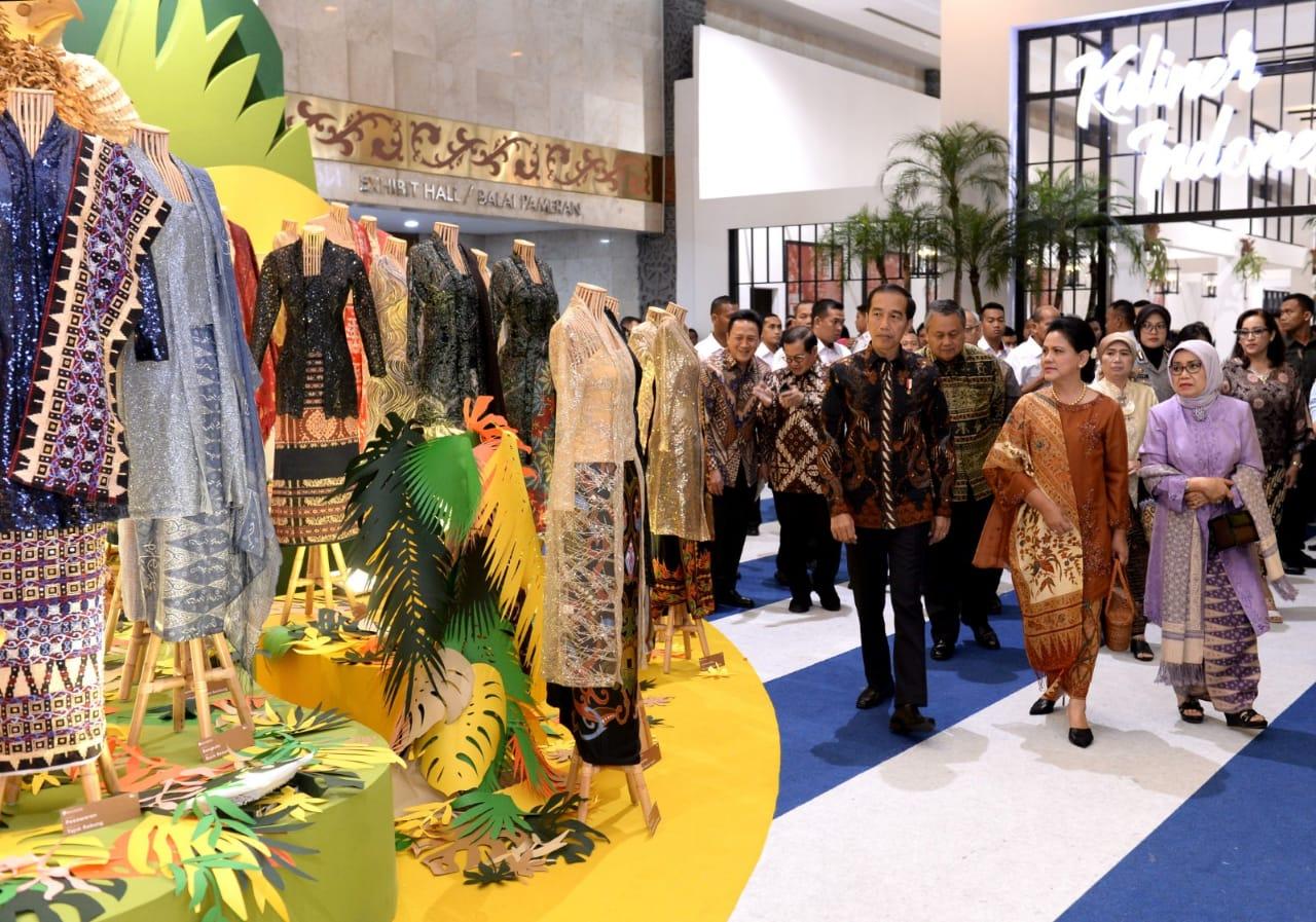 presiden-jokowi-buka-pameran-karya-kreatif-indonesia-2019-4
