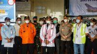 Menhub Budi Karya Sumadi usai mendatangi Posko Crisis Center bagi Keluarga Korban, di Terminal 2D Bandara Internasional Soekarno Hatta, Tangerang, Banten, Senin (11/1).