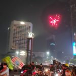 Unggahan di Twitter @ASDhiyono93, Jak Mania merayakan kemenangan Persija di kawasan Bundaran HI, Jakarta. Foto: Twitter @ASDhiyono93