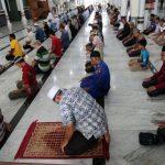 Ilustrasi Shalat di Masjid
