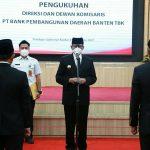 Demi Layanan Terbaik, Gubernur WH Kukuhkan Pengurus Bank Banten