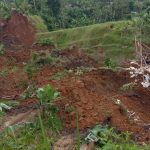 Tanah longsor terjadi di Desa Ginanjar, Kecamatan Ciambar, Kabupaten Sukabumi, Provinsi Jawa Barat, Sabtu (1/5) pukul 16.00 WIB. Foto: BPBD Kabupaten Sukabumi