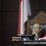 Hakim Konstitusi Wahiduddin Adams menyebut revisi UU KPK bermasalah secara konstitusi dan moral. Foto: CNN Indonesia/Adhi Wicaksono