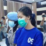 Nani Apriliani (Na), perempuan pengirim sate maut.