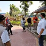 Sekretaris Daerah Kabupaten Tangerang Moch Maesyal Rasyid saat meninjau lokasi waterboom untuk dijadikan vaksin centre.
