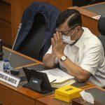 Menko Marves Luhut Binsar Pandjaitan mengikuti rapat kerja dengan Badan Anggaran DPR di Kompleks Parlemen, Senayan, Jakarta, Senin (14/6/2021). ANTARA FOTO/Aprillio Akbar/foc.