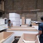 Pabrik peti mati jenazah Covid-19 di kawasan Kelurahan Jurumudi Baru, Kecamatan Benda, Kota Tangerang yang kebanjiran orderan produksi hingga 500 dalam sehari, Kamis (1/7/2021)